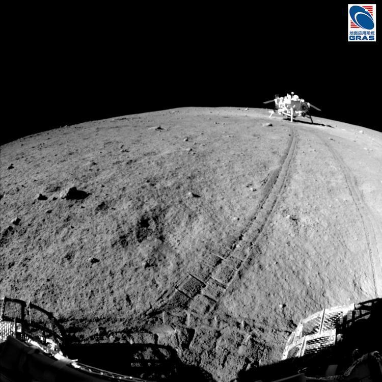 Китайский аппарат на Луне FOREIGN201604251113000308085011452